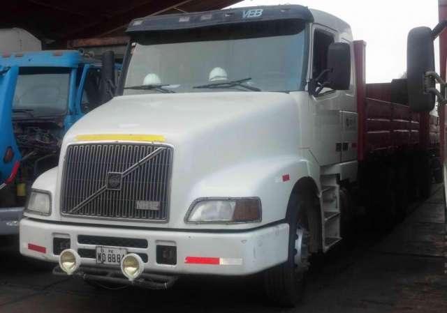 Vendo camiones volvo nh12 2003 perfecto estado