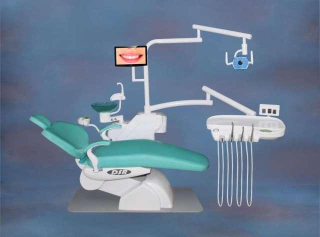 Precio de 4,400 soles, completamente electrico, con sistema de mando, en caja de control para el odontologo, para el asistente al lado izquierdo, en la base esta en el pèdal., y con un control r