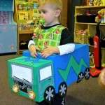 Maquetas titeres ecologicos con material reciclados robot carro disfraces