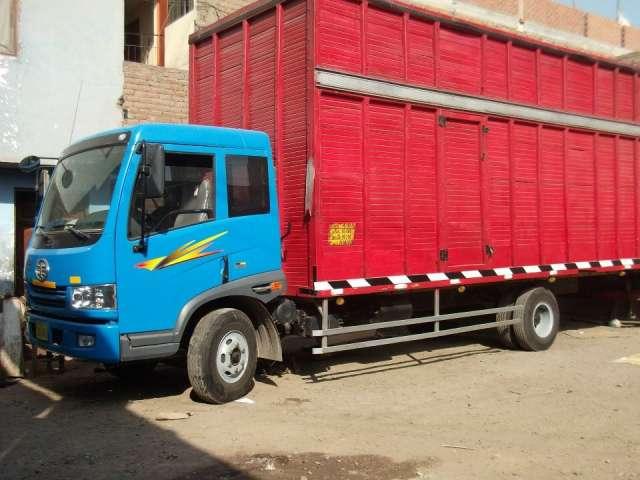 Alquilo camión furgón de 10 tn