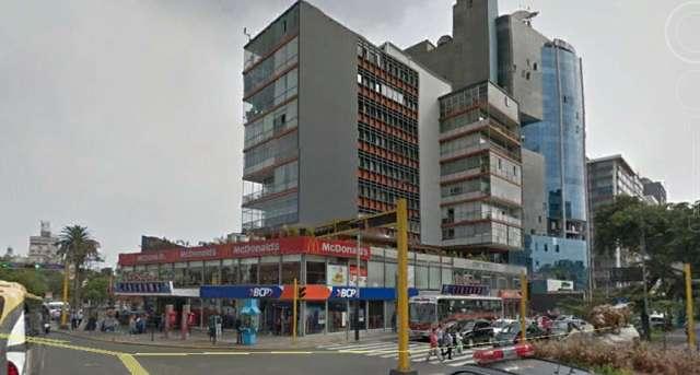 Local comercial en edificio de cine pacifico de miraflores