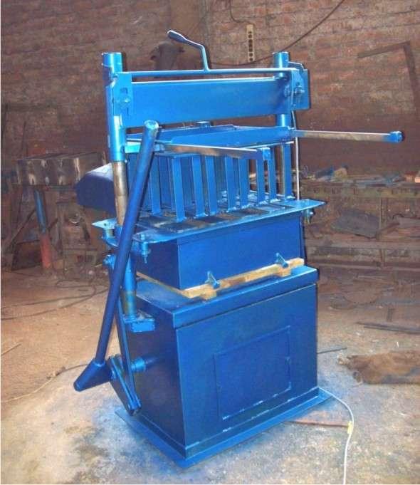 Bloqueteras de conreto y otras fabricaciones