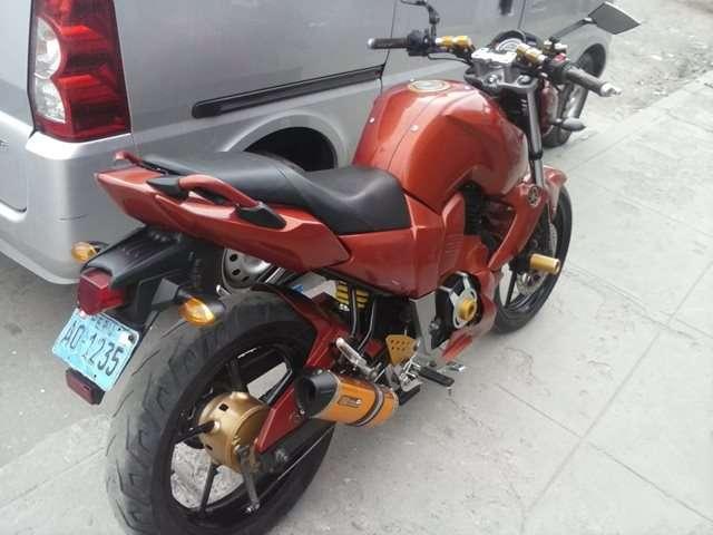 Vendo moto yamaha fz16 modelo 2012 en perfecto estado