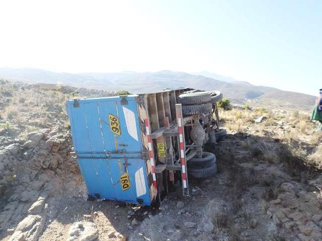Remato camión canter mitsubishi de año 2007 siniestrado