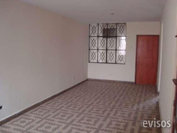 Se vende bella casa en comas de 120 mts2 at y 105 de ac de 3 dormitorios