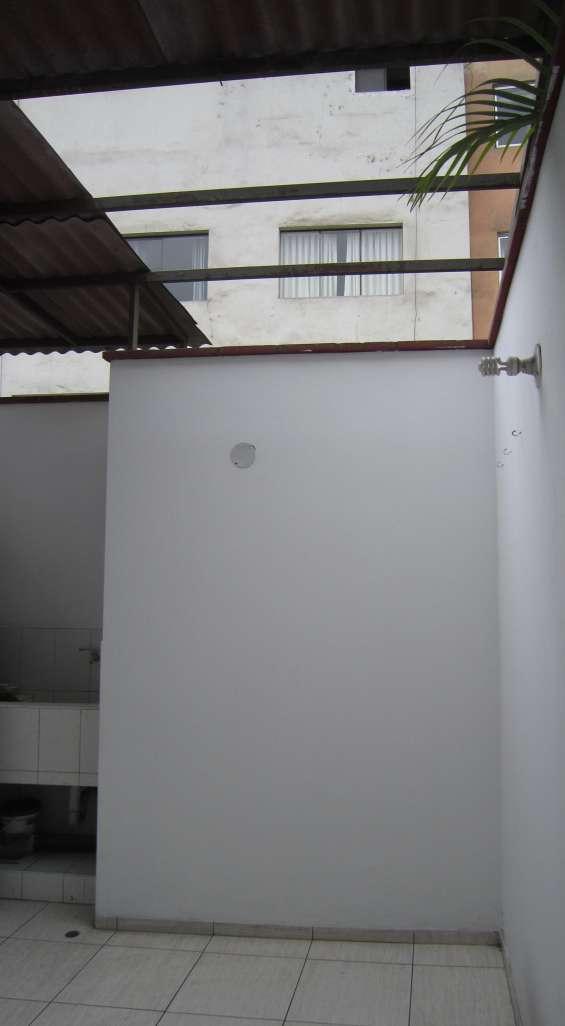 Lavandería semi techada
