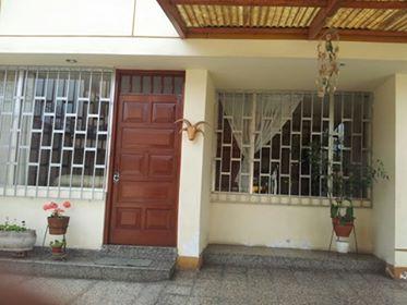 Fotos de Alquilo casa en avenida para vivienda u oficinas 2
