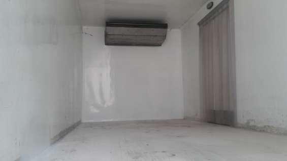 Fotos de Furgones  frigorificos  importados de   03,04  y  05  ton. 6