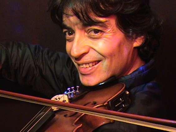 Violinista en lima - música instrumental