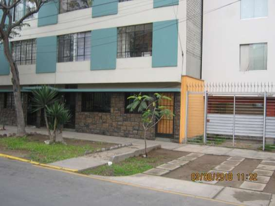 Se vende departamento 1er piso santa beatriz cercado de lima