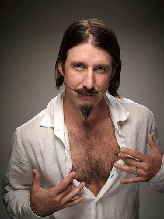 Fotos de Barbas   y  bigotes  postizos   telefono   fijo   :   7816995    cel    :    999 8