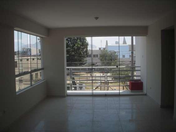 Sala ,comedor y balcon