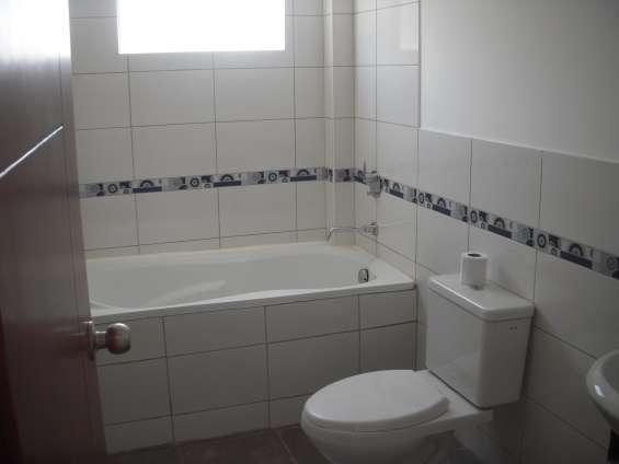 Baño en habitaci{on