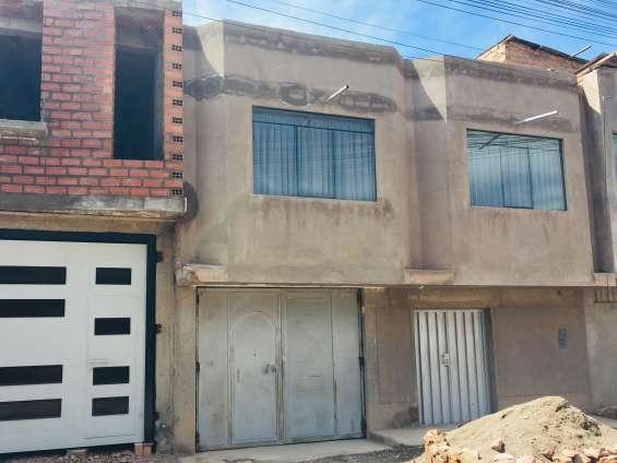 Se vende una casa de 2 pisos salida arequipa juliaca