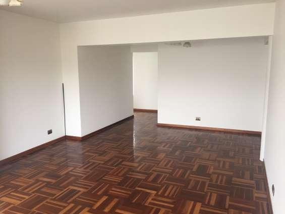 Fotos de Se vende  acogedor departamento en residencial monterrico,  la molina 4