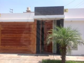 Alquilo casa en la ciudad de ica