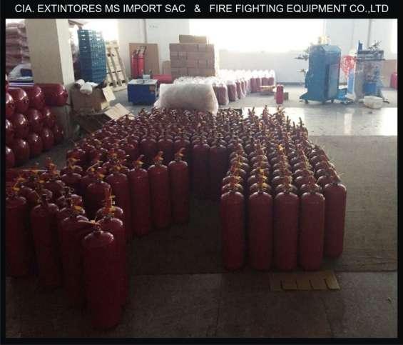 Extintores y botiquines de primeros auxilios