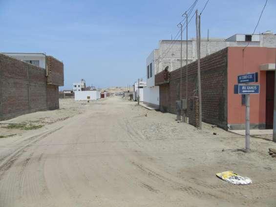 Calle cerro azul (ingreso a los terrenos)
