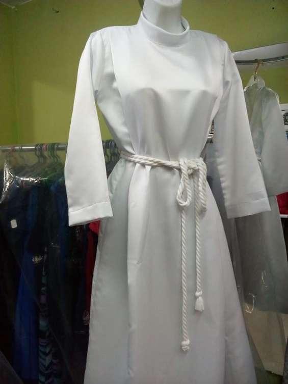 Alquiler de túnicas para bautismo