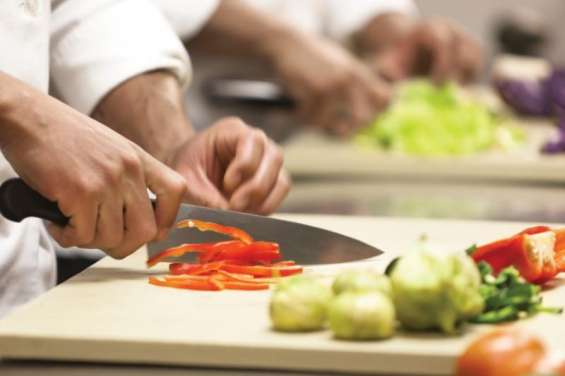 ¡urgente! se busca ayudante de cocina y maestro parrillero para restaurante en chiclayo.