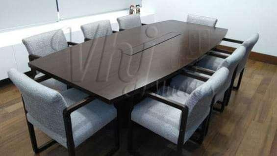 Mesa de reuniones de melamina