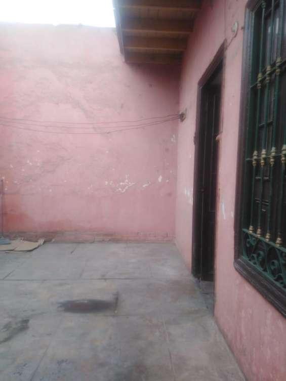 Patio, entrada principal