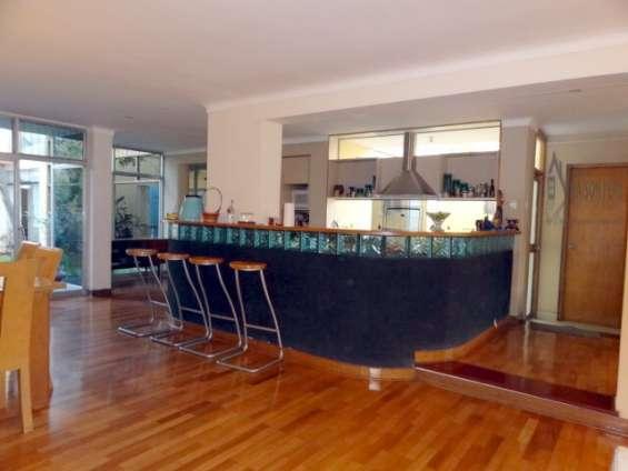 Fotos de Alquilo casa 1er piso con jardín 250 m2 surco (52-16-f-b 2
