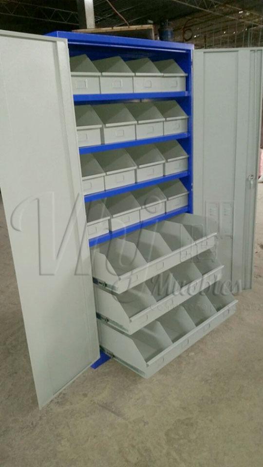 Mobiliario de herraminetas
