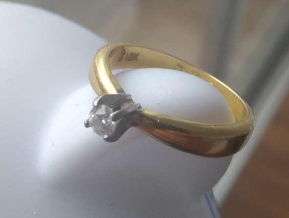Compro oro y plata al mejor precio.. cel. 980957921