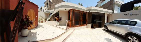 Vendo casa 256.80 m2 3 dormitorios estudio la molina (