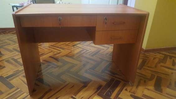 Vendo escritorio de melamina 1.mx0.6 m
