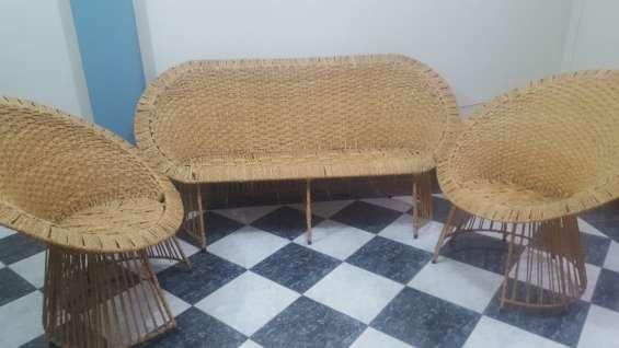 Vendo juego de muebles de terraza de mimbre.