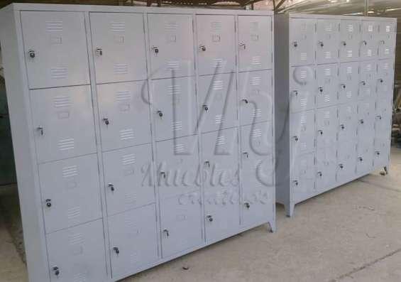 Lockers con 20 casilleros con chapa