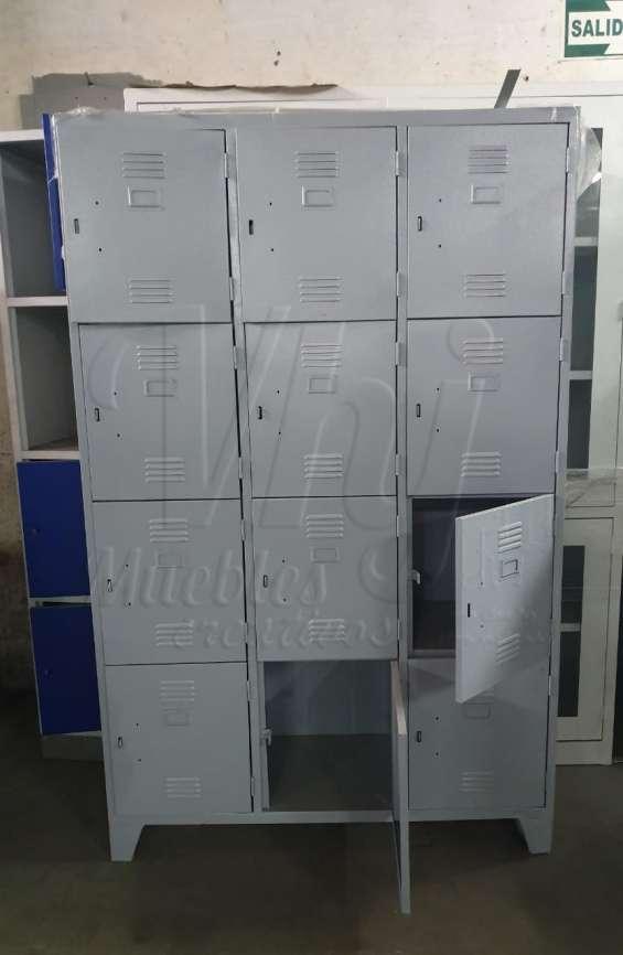 Lockers con 12 casilleros