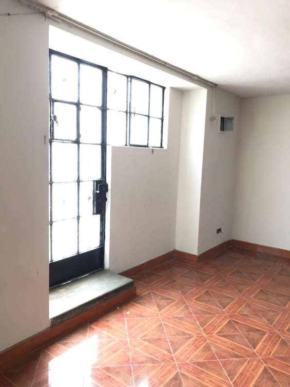 Alquiler de casa de 2 pisos en bellavista - callao