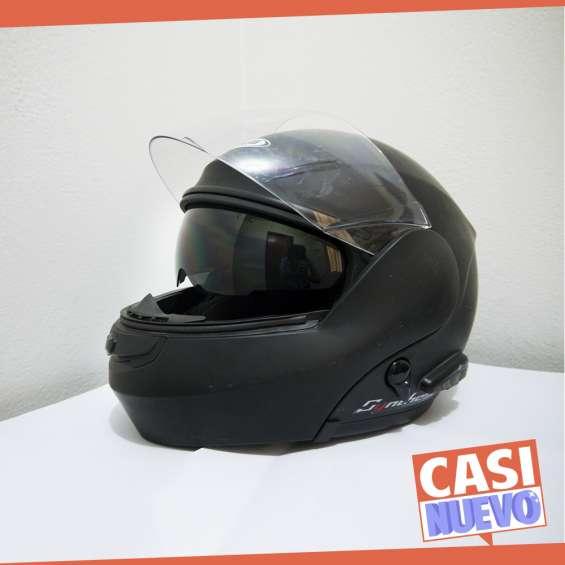Remato casco de moto con bluetooth