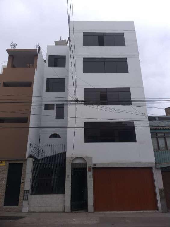 Casa de 5 pis