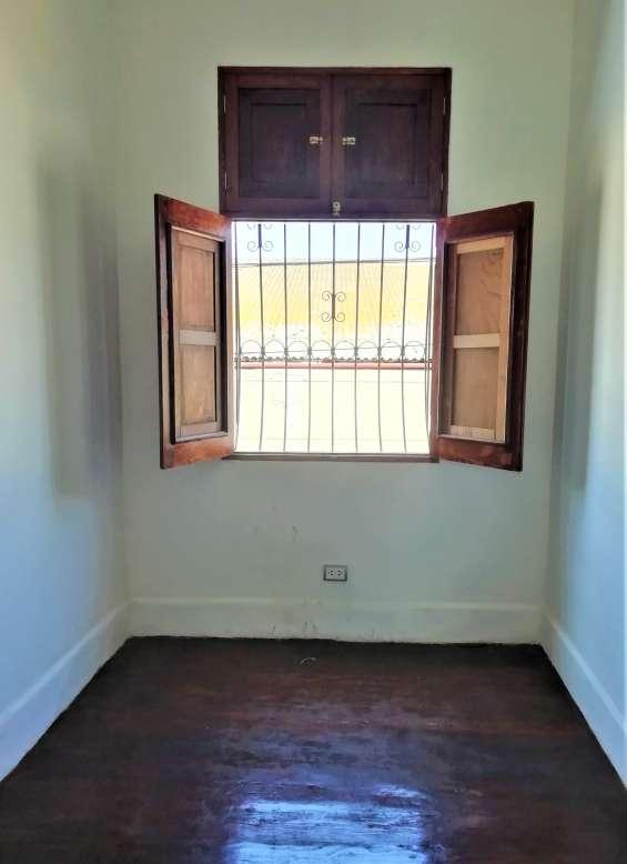 Fotos de Cercado vendo bonito dpto. 2do piso+aires 277m2 $75mil, vista calle 7