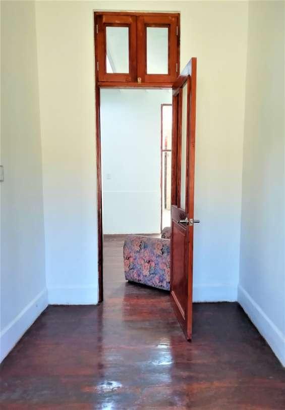 Fotos de Cercado vendo bonito dpto. 2do piso+aires 277m2 $75mil, vista calle 8