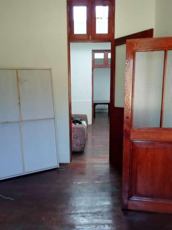 Fotos de Cercado vendo bonito dpto. 2do piso+aires 277m2 $75mil, vista calle 9