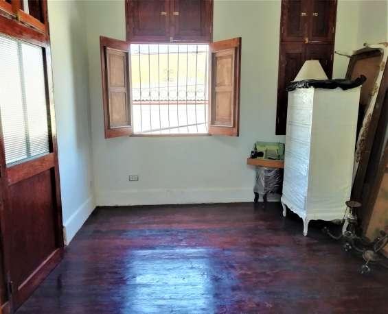 Fotos de Cercado vendo bonito dpto. 2do piso+aires 277m2 $75mil, vista calle 5