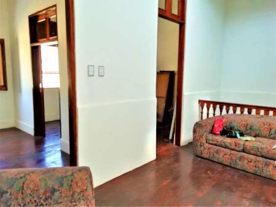 Fotos de Cercado vendo bonito dpto. 2do piso+aires 277m2 $75mil, vista calle 4