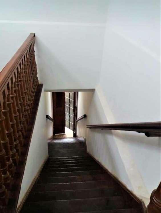 Fotos de Cercado vendo bonito dpto. 2do piso+aires 277m2 $75mil, vista calle 2