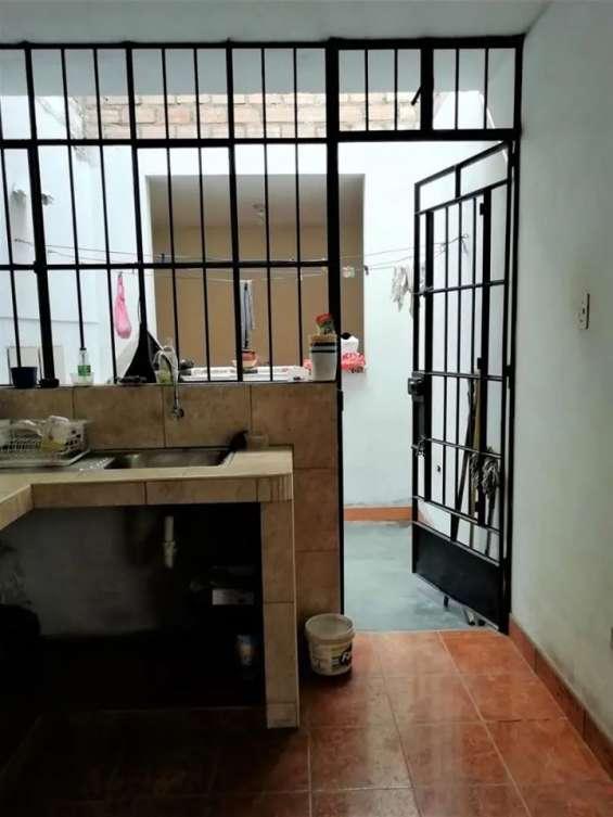 Fotos de Comas vendo dpto. 1er piso 121m2 $75mil, vista calle 7