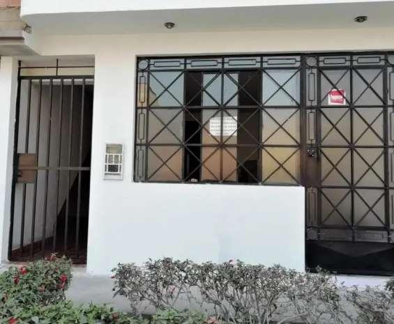 Fotos de Comas vendo dpto. 1er piso 121m2 $75mil, vista calle 1