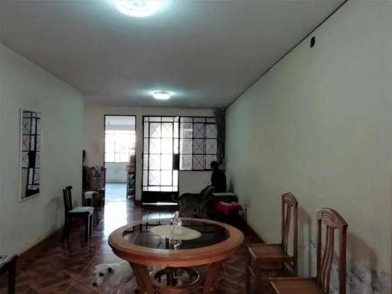 Fotos de Comas vendo dpto. 1er piso 121m2 $75mil, vista calle 2